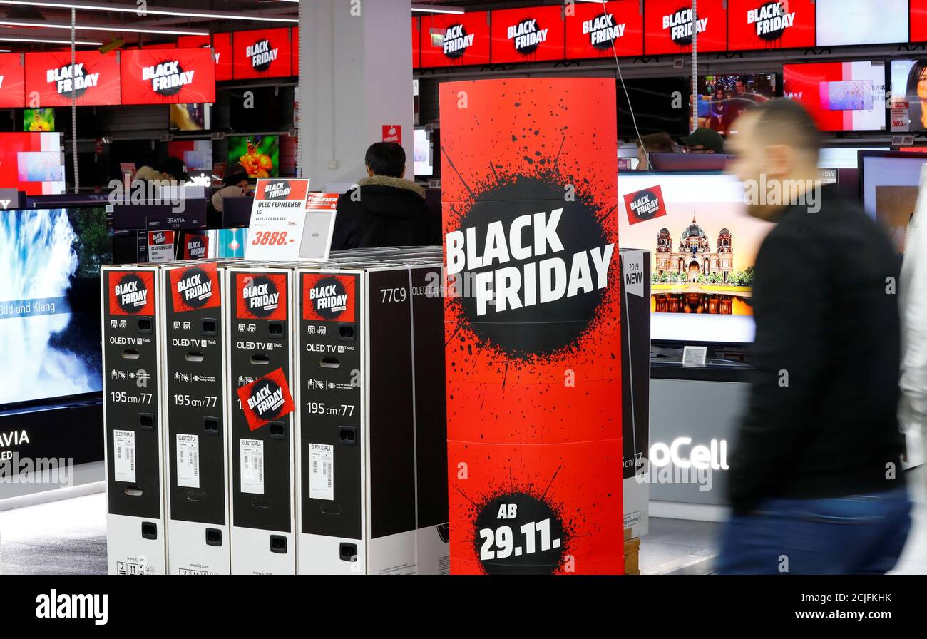 People Shop During Black Friday Deals At Consumer Electronics Retailer Media Markt Near Alexander Platz Square In Berlin Germany November 29 2019 Reuters Fabrizio Bensch Stock Photo Alamy