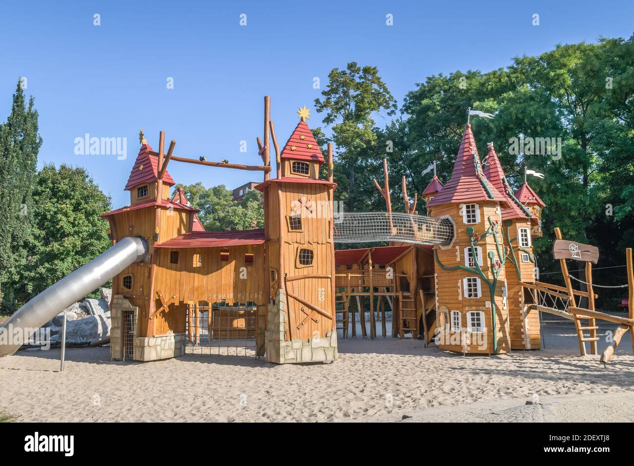 Page 2 Spielplatz High Resolution Stock Photography And Images Alamy
