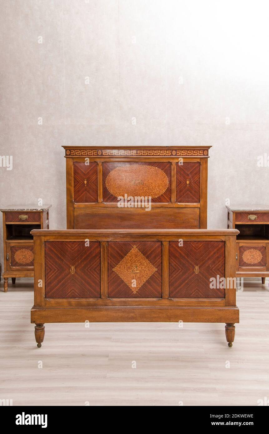 Page 2 Antique Furniture High Resolution Stock Photography And Images Alamy