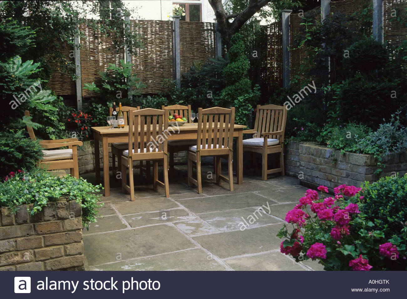 Small Garden Patio Designs Small Patio Garden London Design Steve Woodham Table York