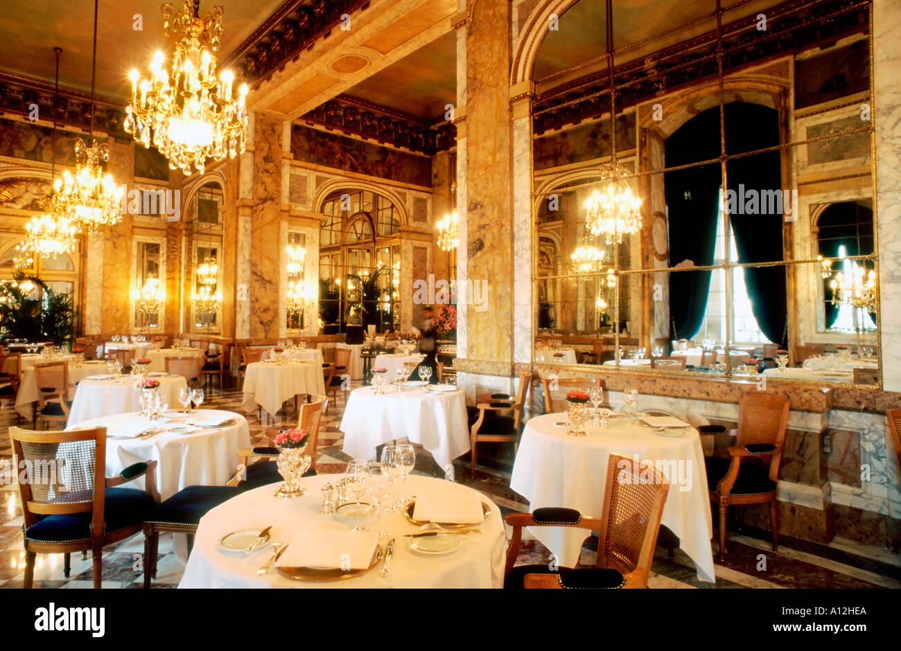 Cuisine Cuisine Paris France French Haute Cuisine Restaurant Dining Room
