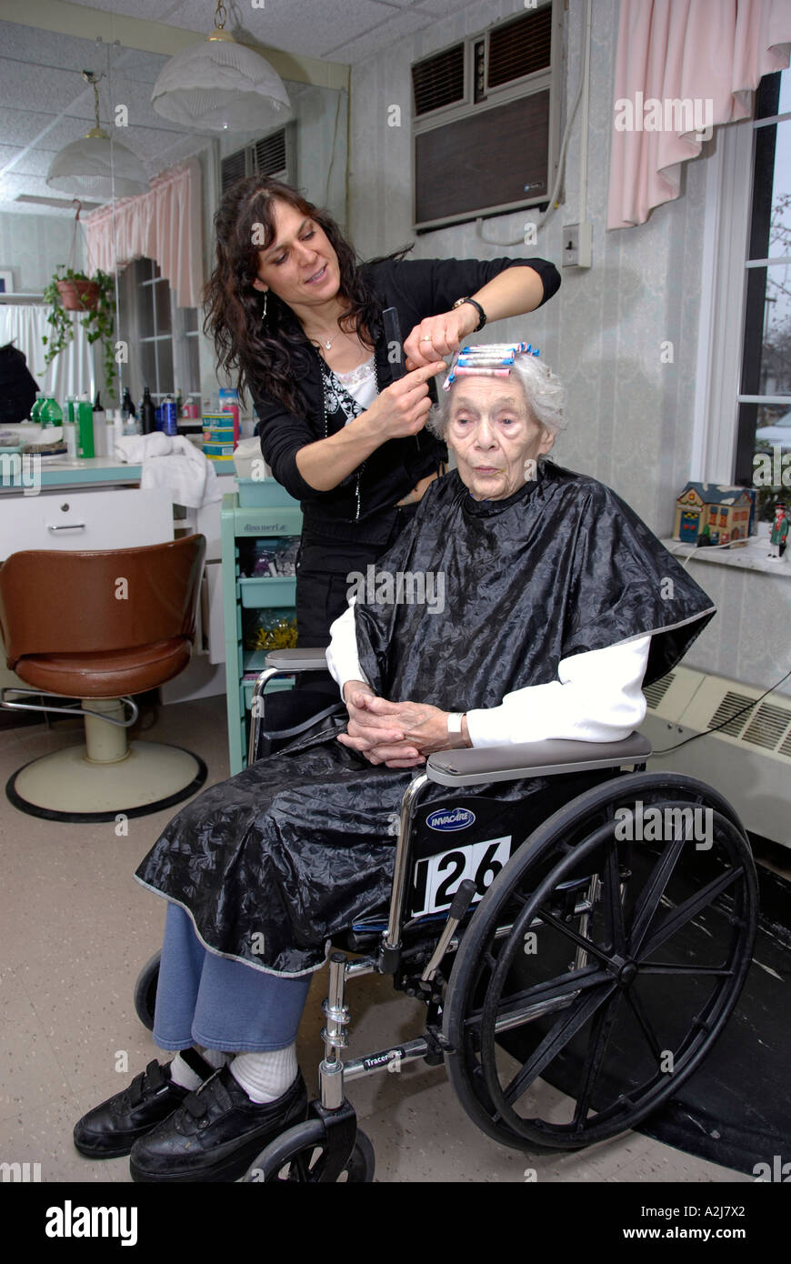 Salon Senior Senior Elderly Woman Female Has Hair Cut Shampoo Color And