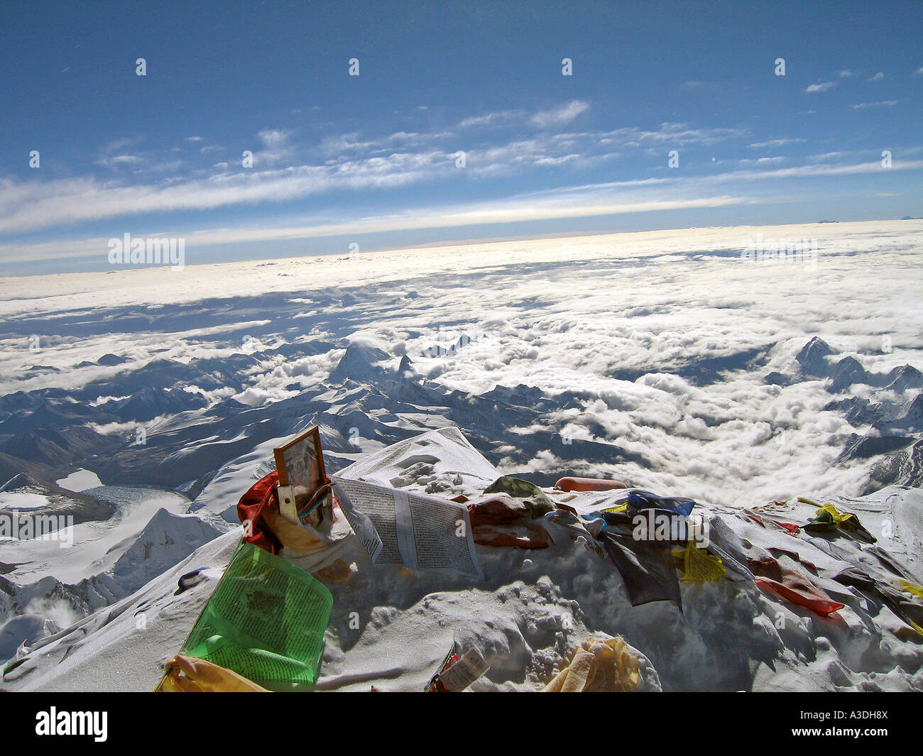 Himalaya Hamburg Photo Of Dalai Lama And Tibetan Praying Flags On The Summit Of