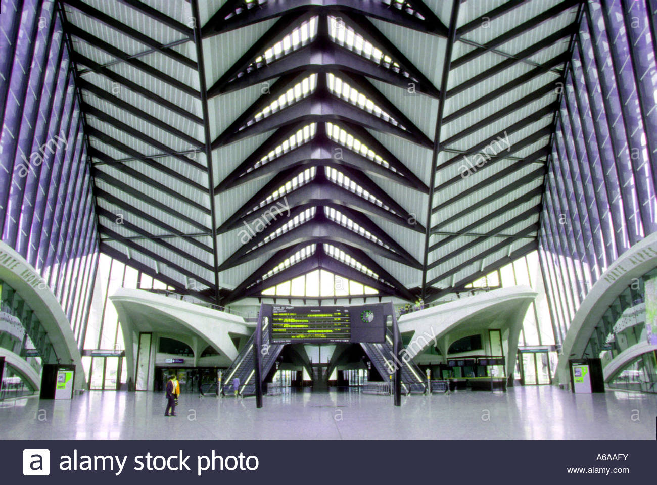 Lyon St Exupery France Lyon St Exupery Airport Tgv Station Designed By Santiago