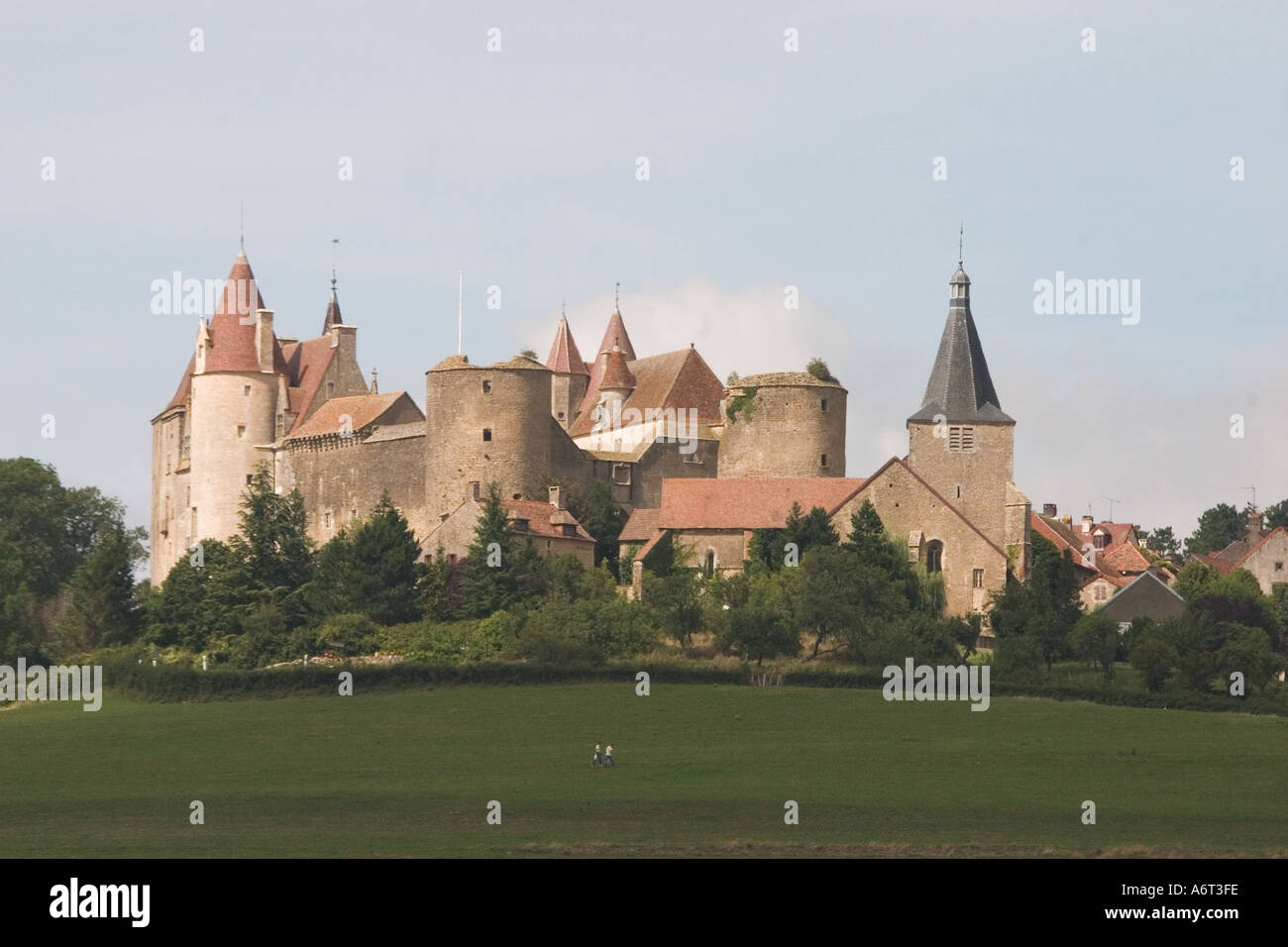 Bourgogne Chateau The Chateau Of Chateauneuf En Auxois Bourgogne France Stock Photo