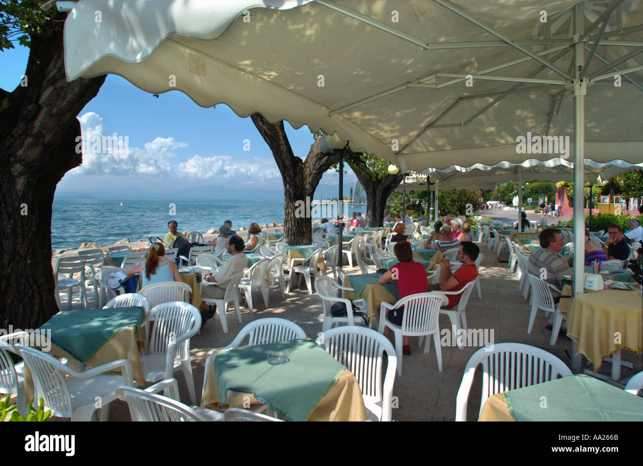 Restaurants In Bardolino Lakefront Restaurant Bardolino Lake Garda Italy Stock