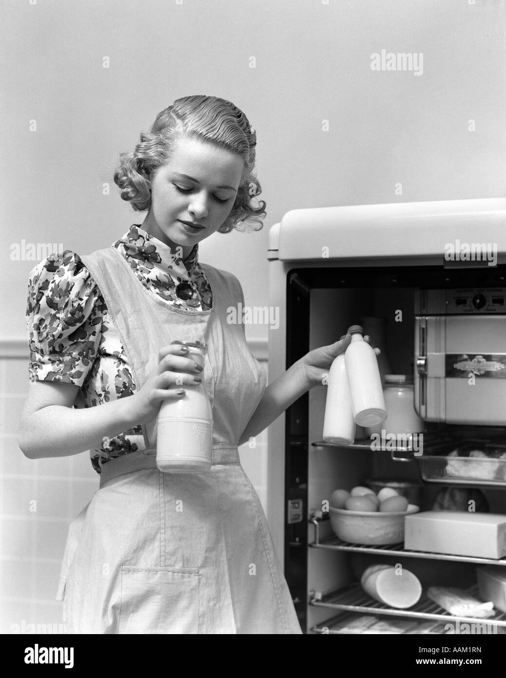 Vintage Schürze Küche Frigidaire Stock Photos And Frigidaire Stock Images Alamy
