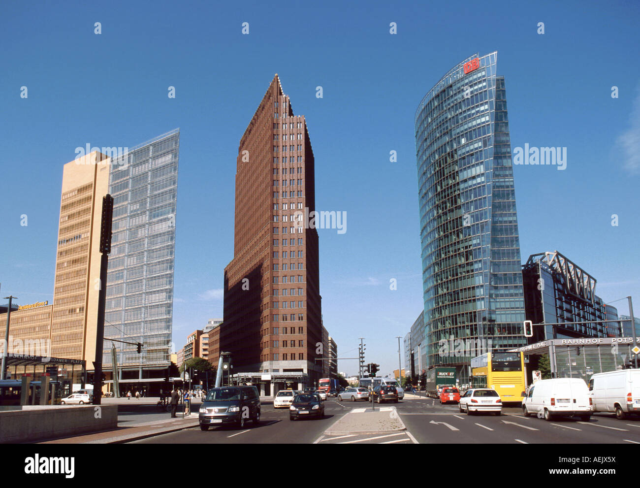 Deutsche Küche Potsdamer Platz Potsdamer Platz, Building By Renzo Piano, Kollhoff-tower And Stock Photo - Alamy
