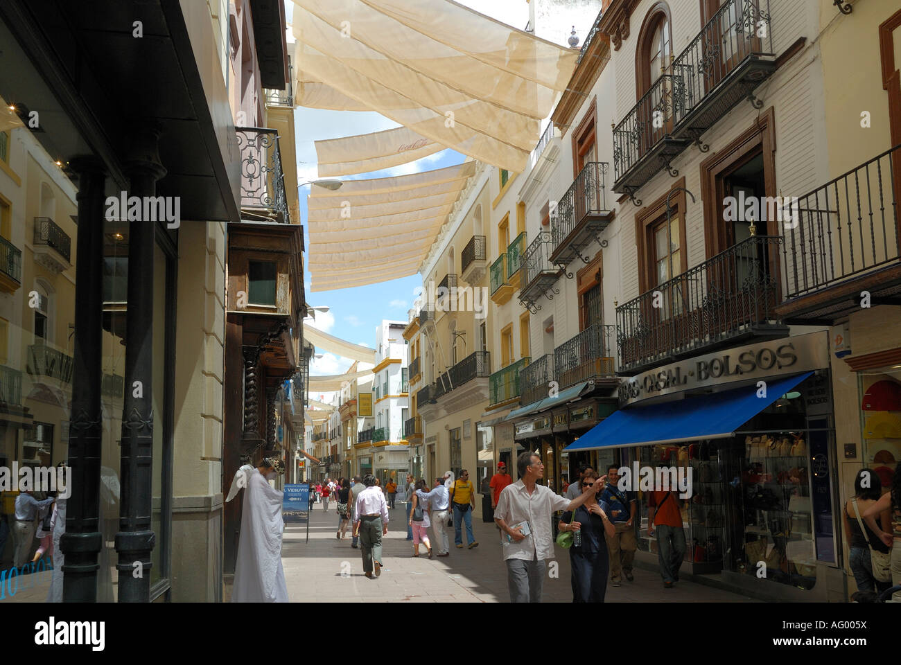 Sevilla Winkelen Covered Shopping Street In Seville Spain Stock Photo