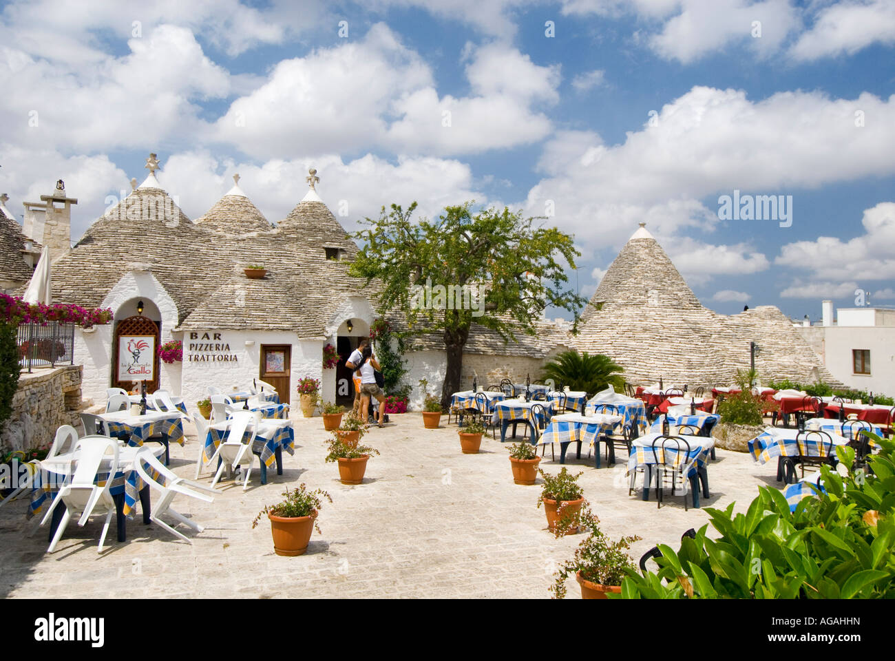Ristoranti Alberobello Restaurant Alberobello Puglia Italy Stock Photo 14149280 Alamy