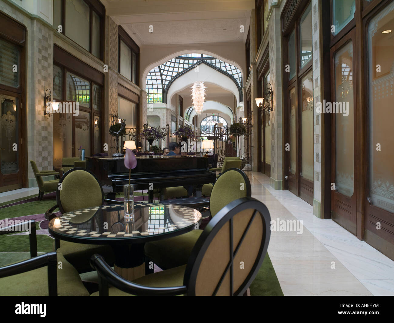 Art Nouveau Palace Hotel Art Nouveau Gresham Building In Stock Photos Art Nouveau Gresham