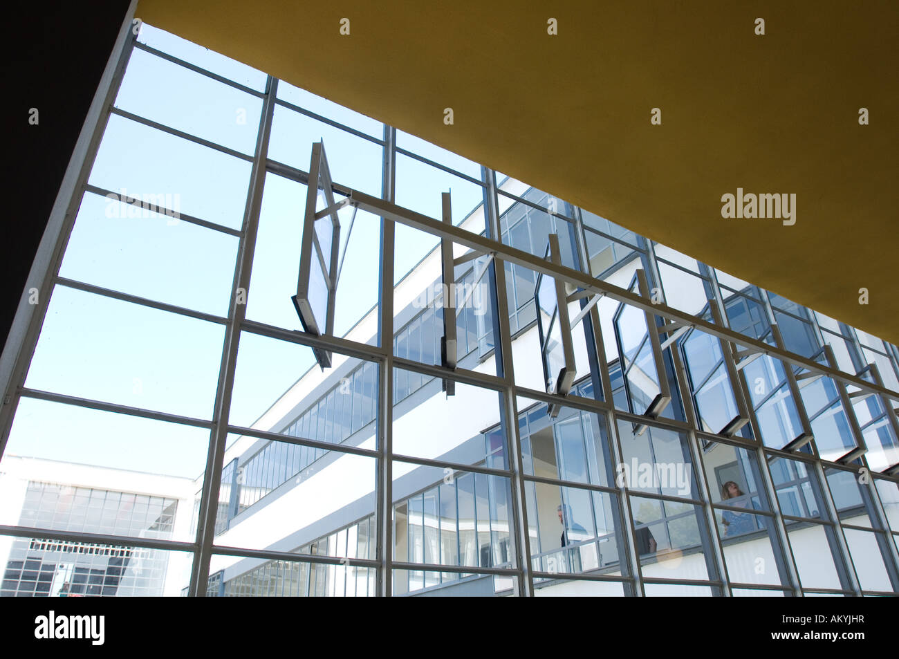 Fenster Bauhaus Windows In The Bauhaus With A Special Mechanism To Open The Window Stock Photo - Alamy