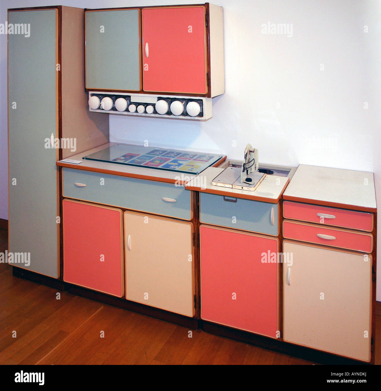 1950s Kitchen Design 1950s Kitchen Design Stock Photos 1950s Kitchen Design Stock