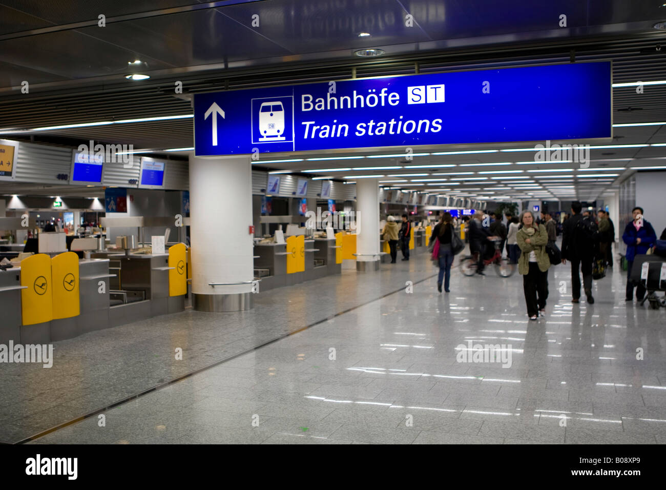Sign Indicating Direction To Departing Trains At Frankfurt Stock Photo Alamy