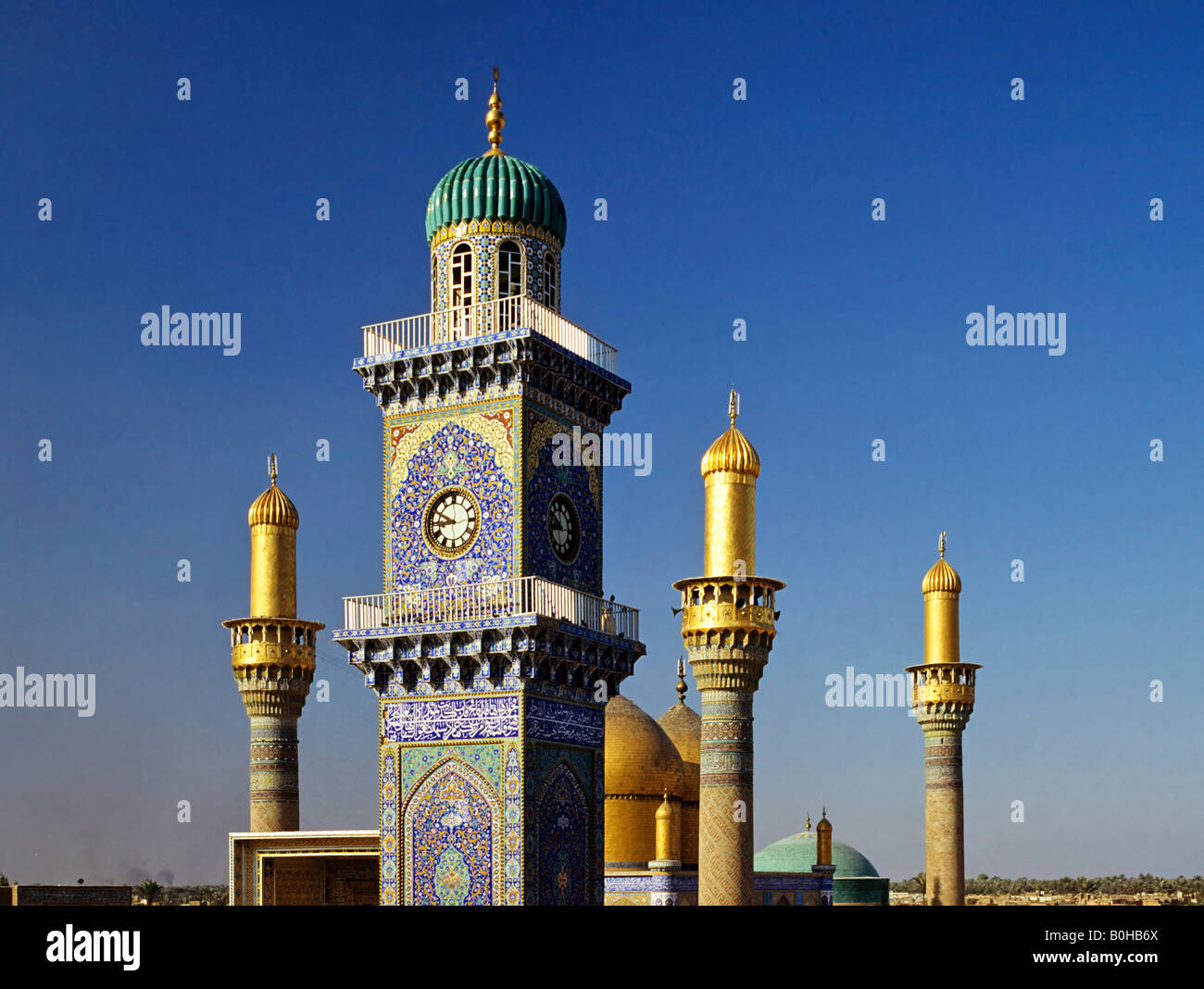 Goldene Uhr Stock Photos Goldene Uhr Stock Images Alamy Al Kadhimain Mosque Golden Towers Minaret Baghdad Iraq
