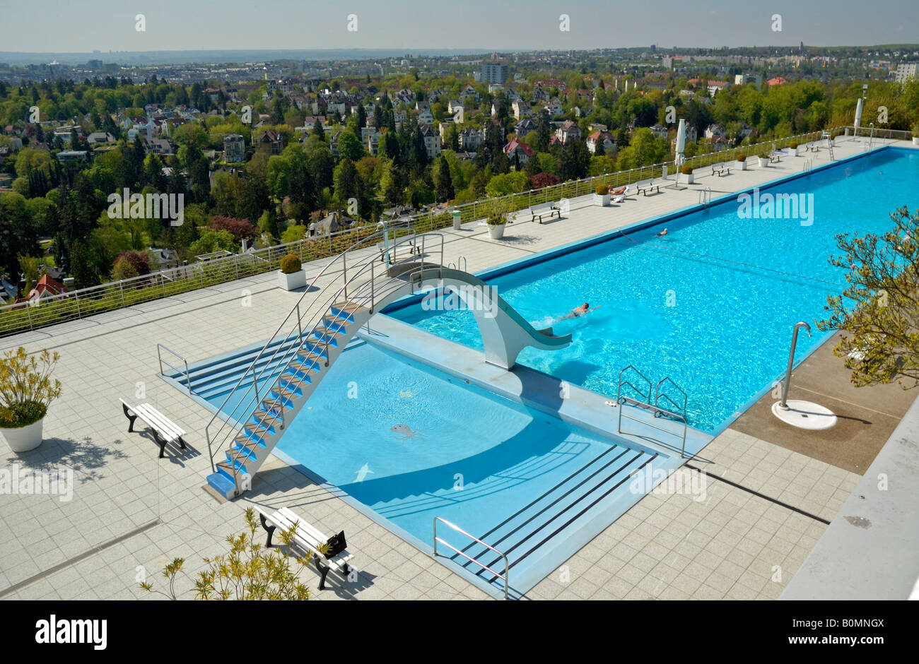 Zwembad Bed Quotopel Bad Quot Swimming Pool Above The Villa District Of