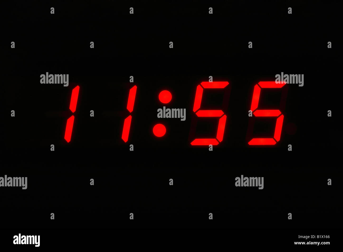 Standuhr Digital Twelve O Clock Stock Photos Twelve O Clock Stock Images Alamy