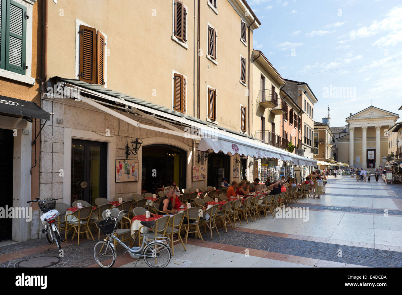 Restaurants In Bardolino Italian Coffee Shops Stock Photos And Italian Coffee Shops