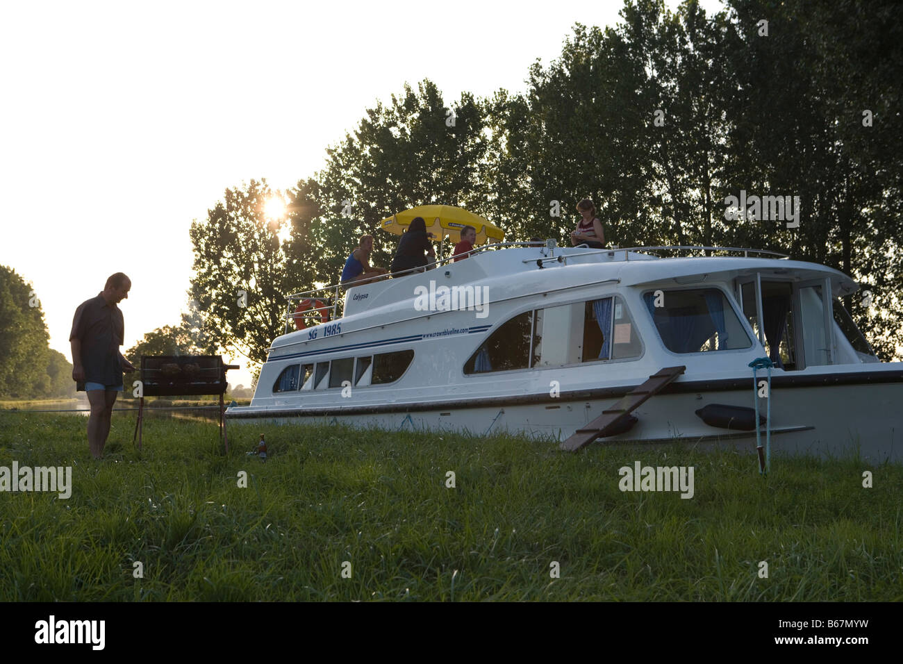 La Grille Canal Calypso Boat Stock Photos And Calypso Boat Stock Images Alamy