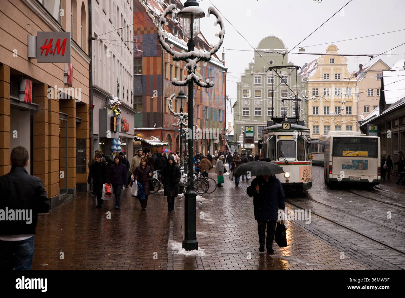 Augsburg Shopping People Do Their Pre Christmas Shopping In Augsburg Germany Stock