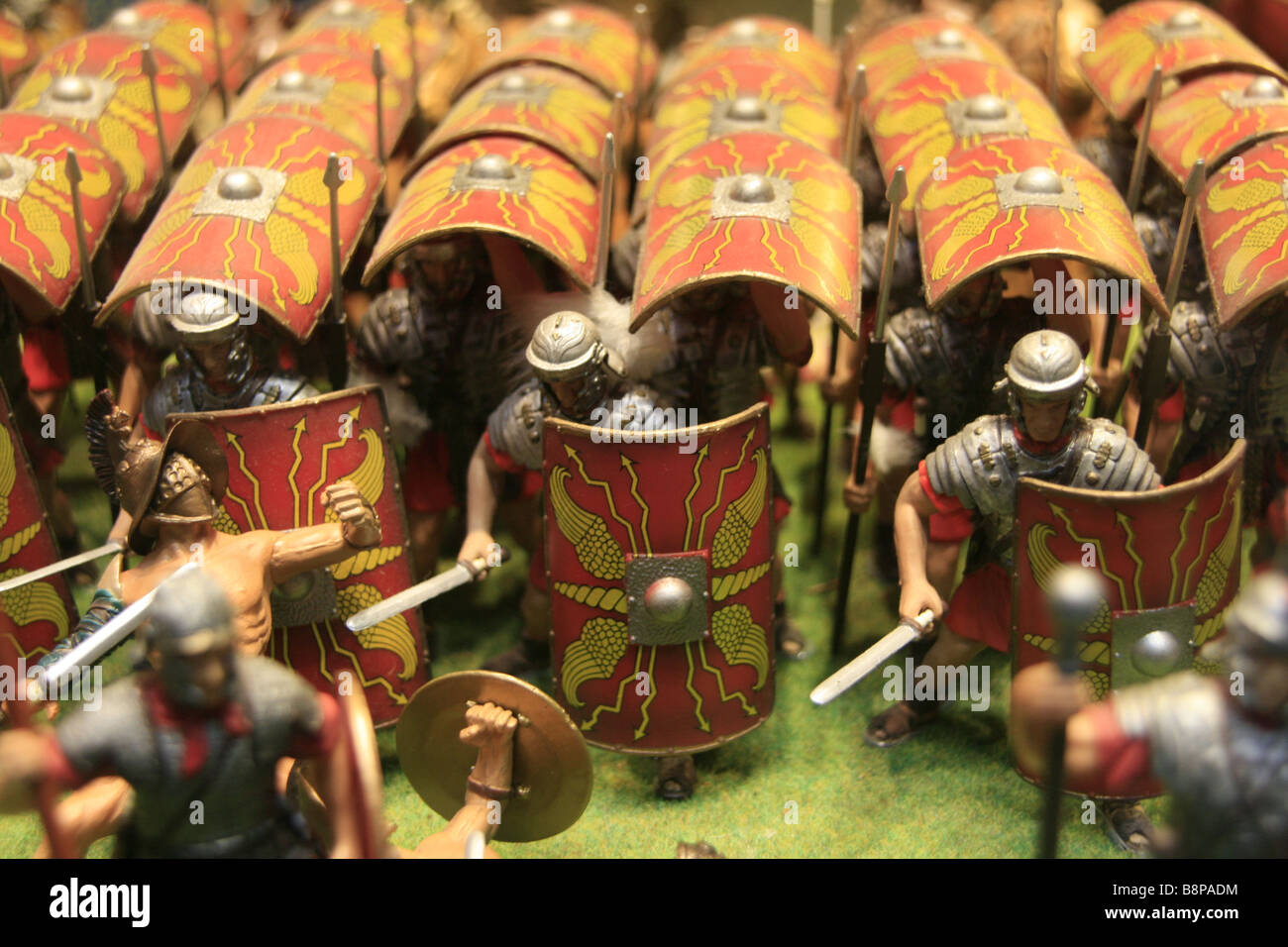 Toy-toys Shop Small Model Roman Soldiers In Battle Attack Formation In