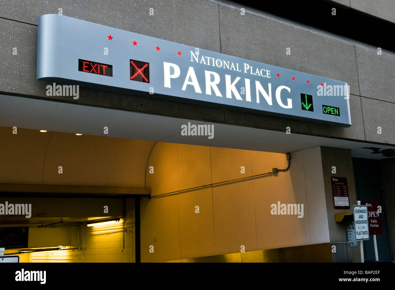 Location Parking Paris 16 Parking Garage Stock Photos Parking Garage Stock Images Alamy