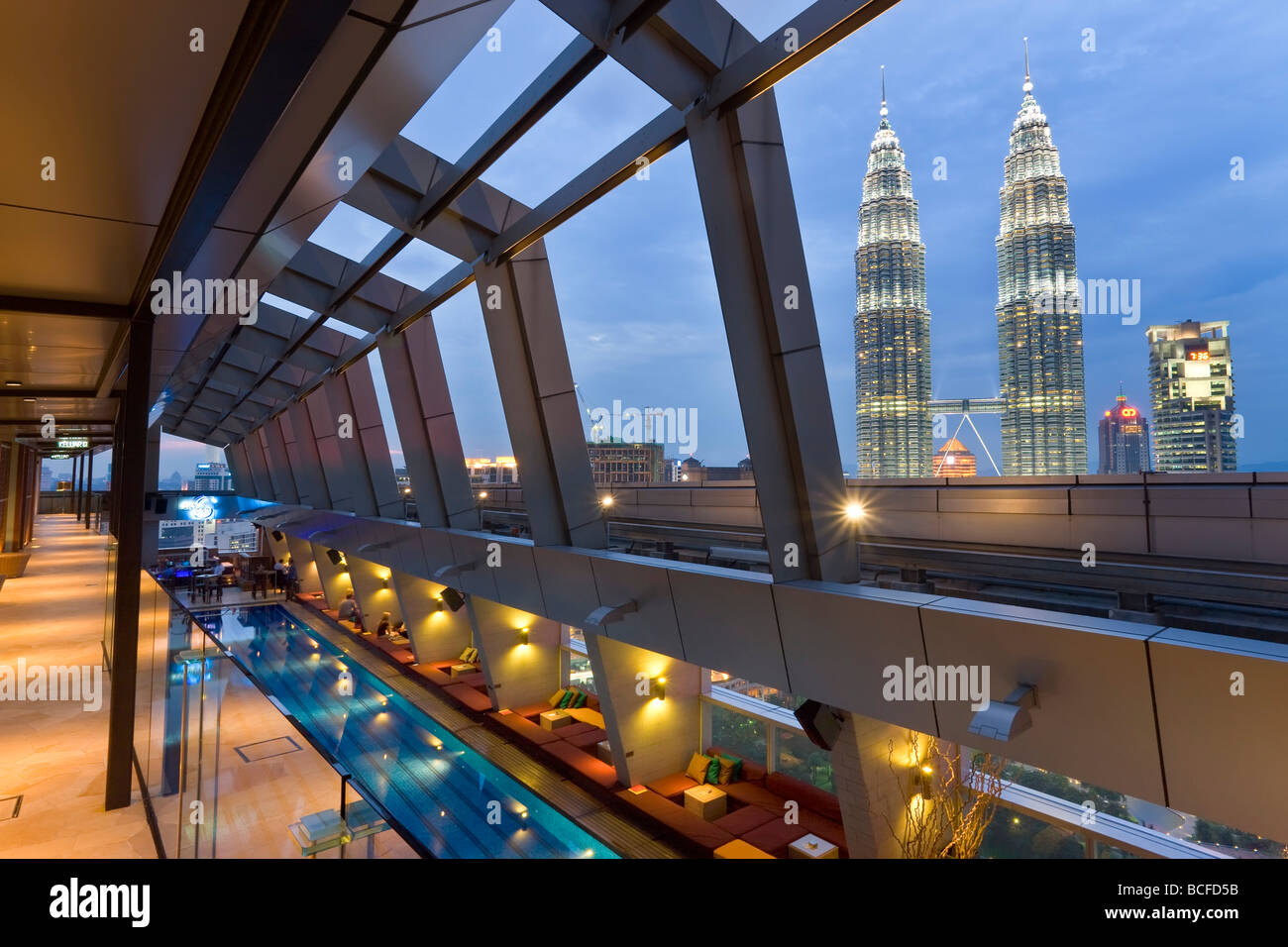 Rooftop Zwembad Kuala Lumpur Malaysia Kuala Lumpur View From A Rooftop Pool Skybar