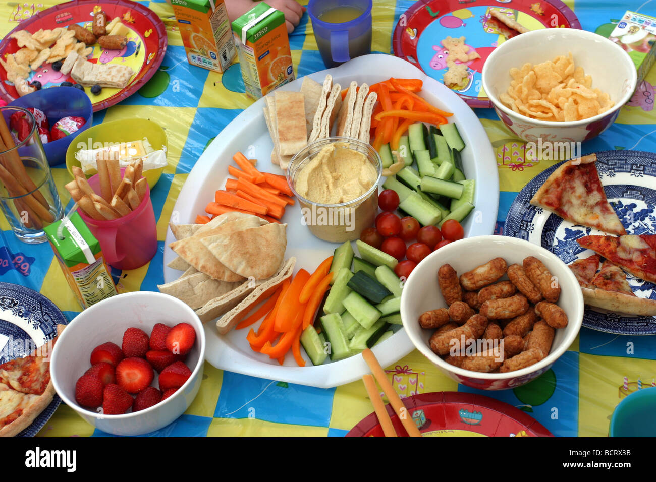 Kinderessen Party Kids Party Food Stock Photos Kids Party Food Stock Images Alamy