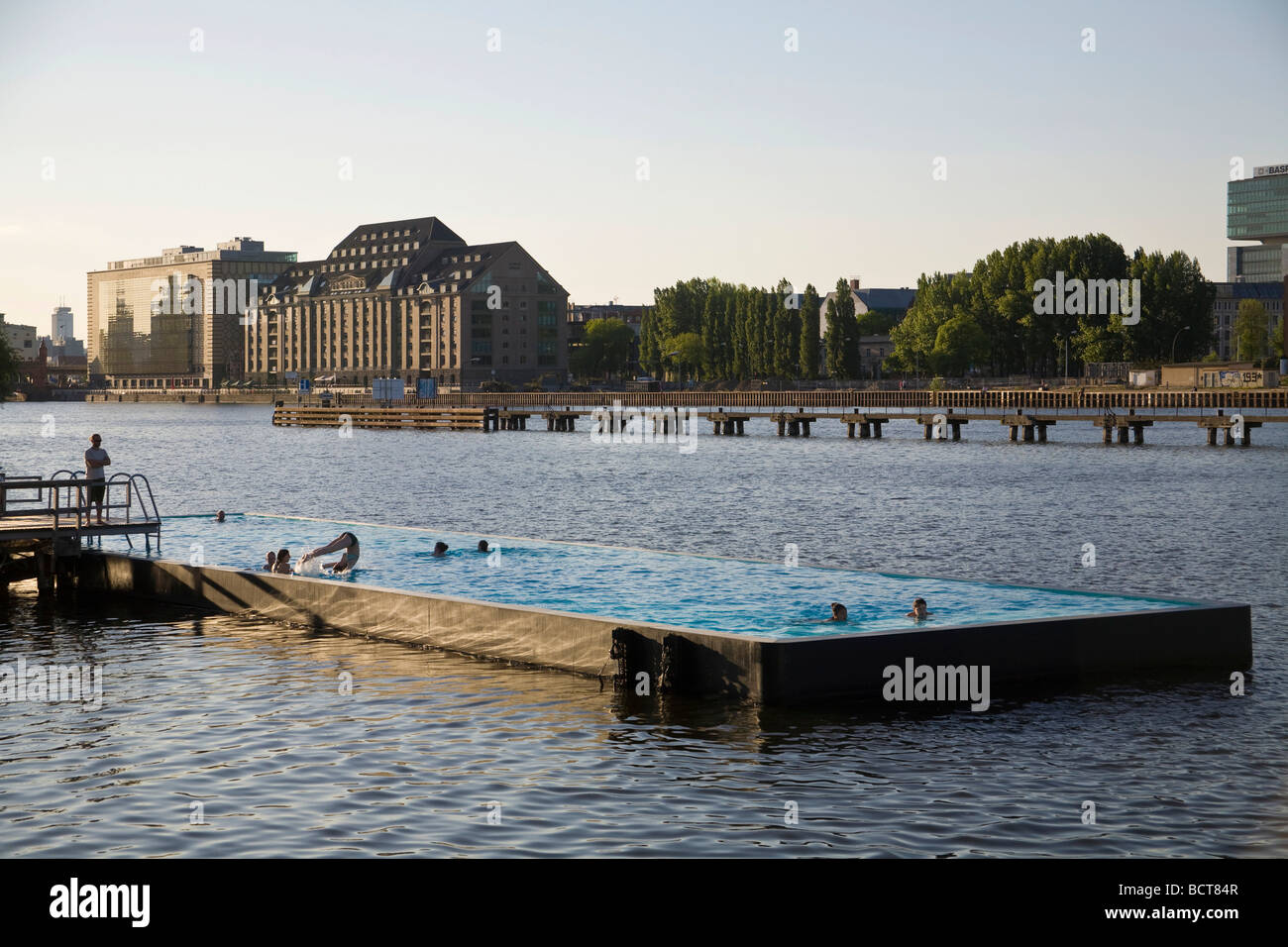 Outdoor Swimming Pool Berlin Spree Pool Floating Swimming Pool In The Spree River
