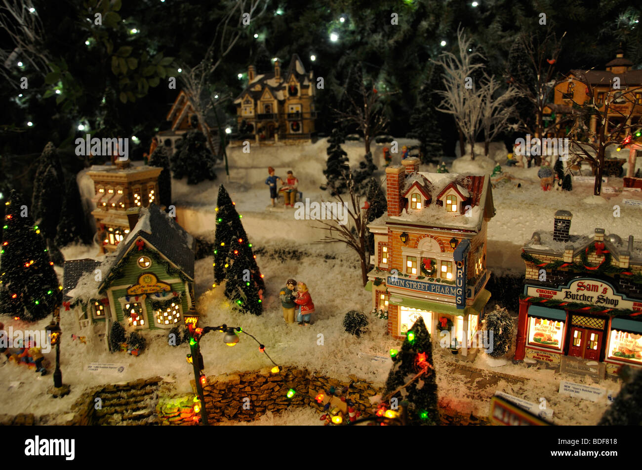 Village De Noel Decoration Miniature Christmas Village Toy Houses Decorations Stock