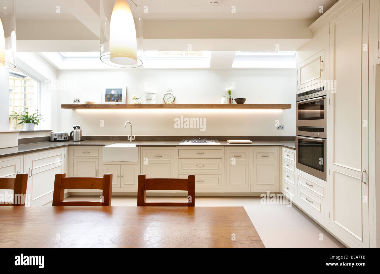 kitchen side extension london terrace oak table skylights velux feature BE47TB