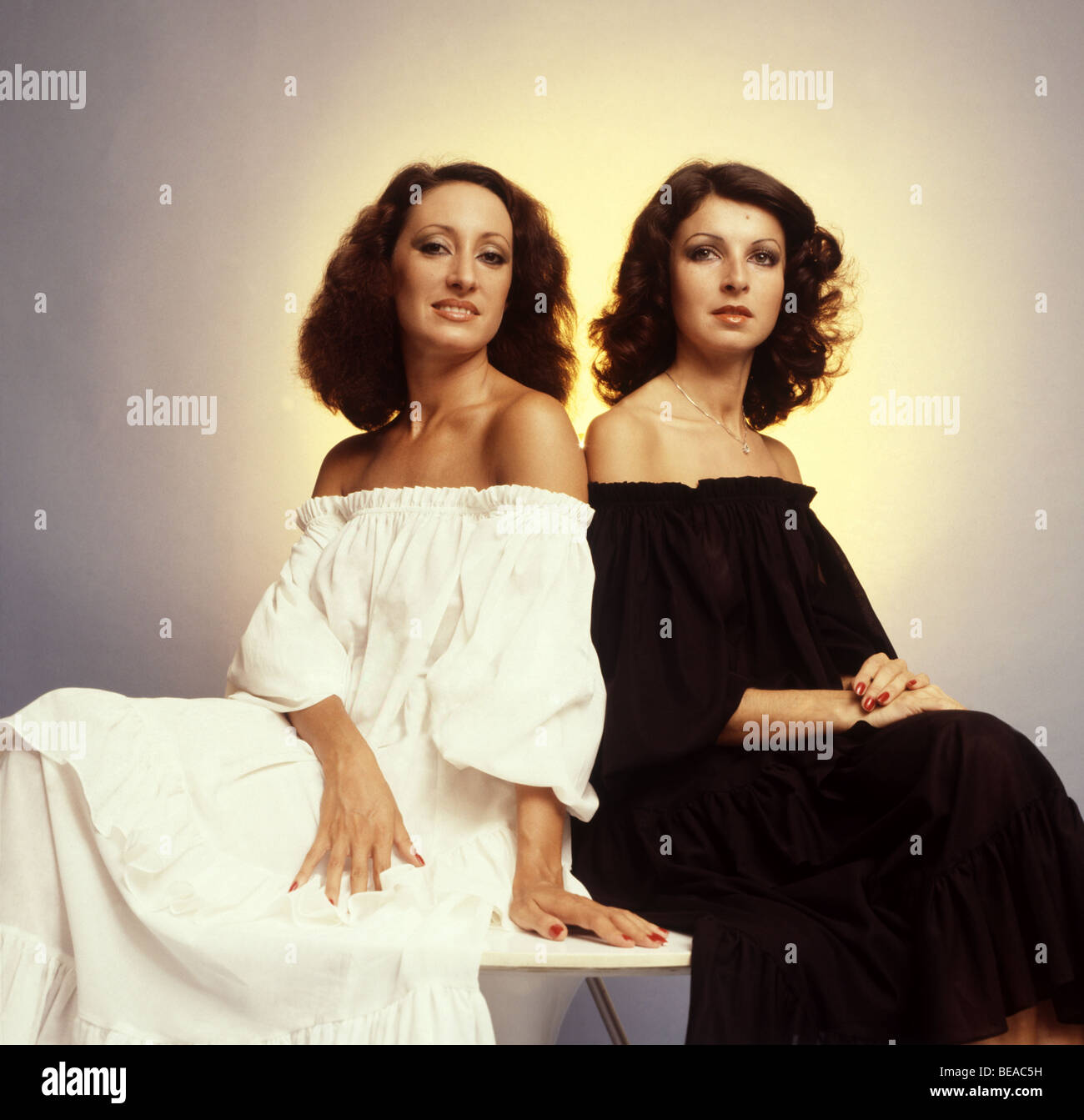 Baccara Spanish Pop Duo In 1977 Maria Mendiola And Mayte Mateos Stock Photo 26044637 Alamy - Baccara