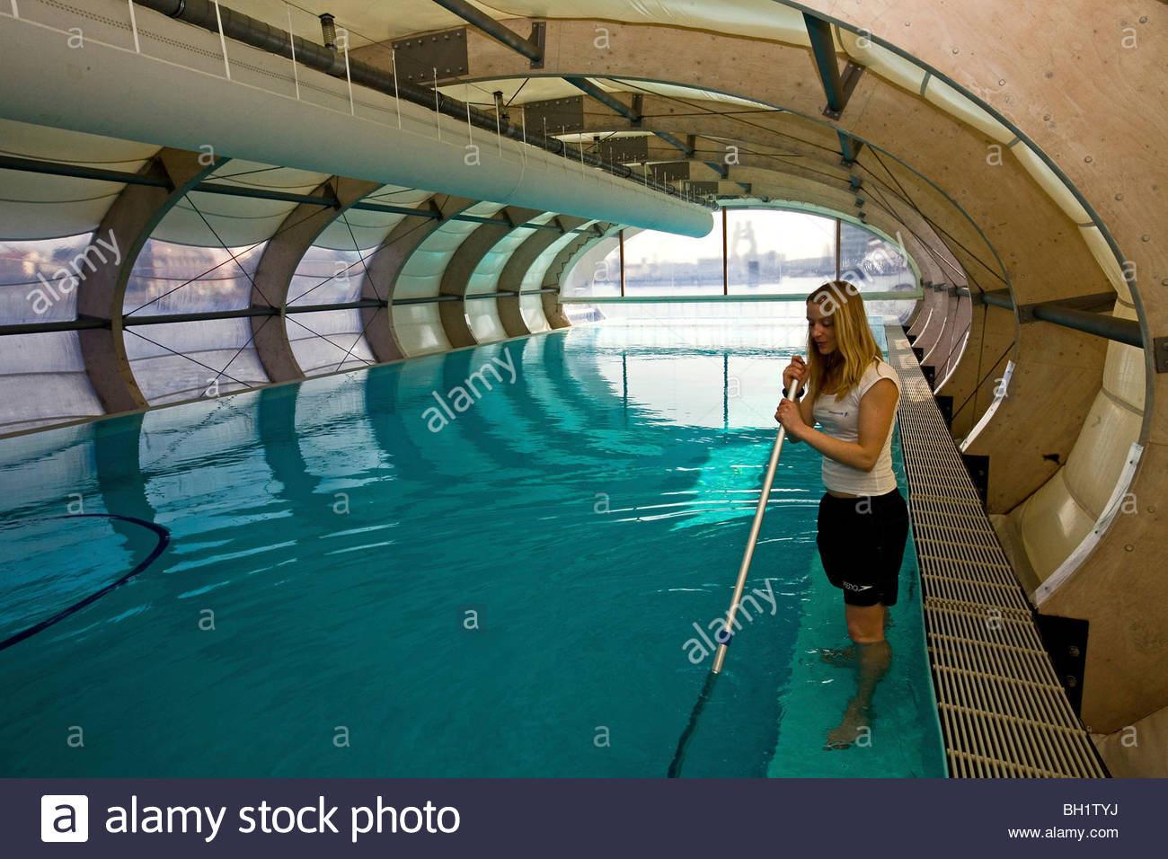 Swimming Pools In Berlin Badeschiff Cleaning The Floating Swimming Pool Berlin Stock