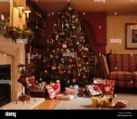 Christmas Tree Living Rooms Stock Photos & Christmas Tree ...