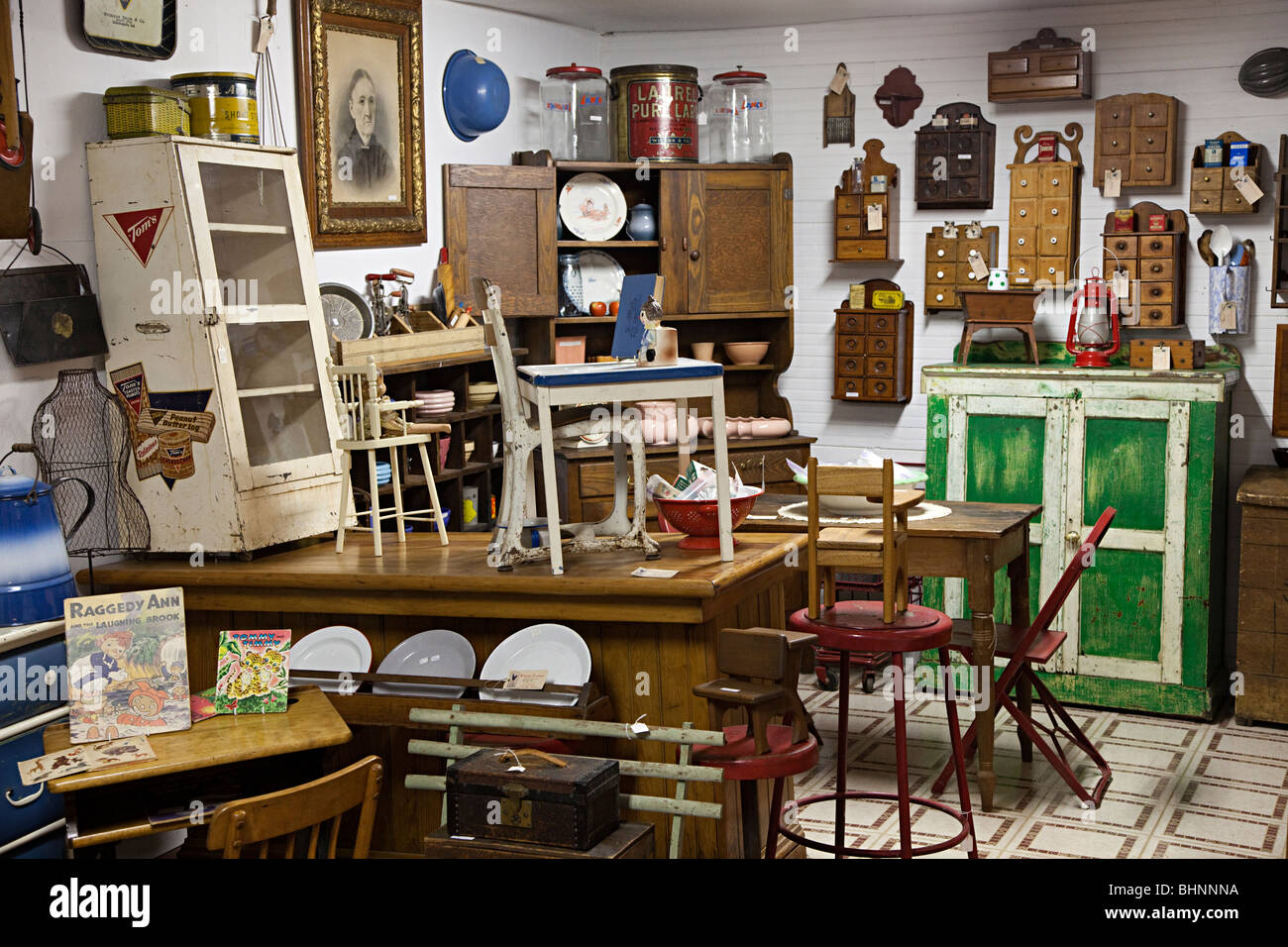Furniture Market Flea Market Shop With Furniture And Goods For Sale Texas Usa Stock