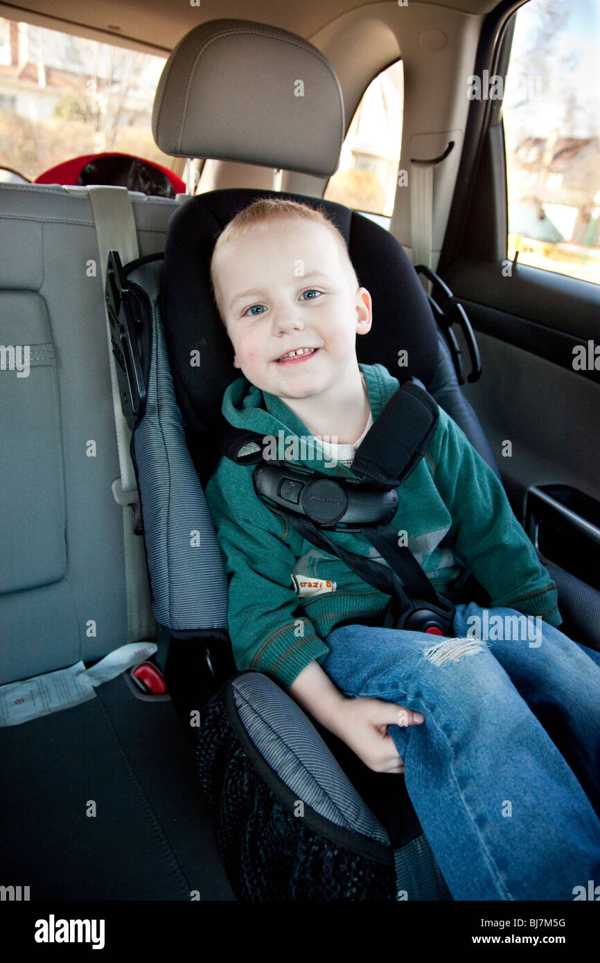 Child Car Seat Usa 2 Year Old Boy In A Child Seat In New Jersey Usa Stock