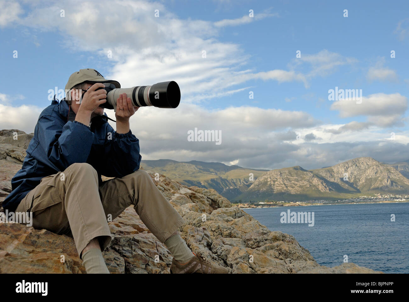 Bilder Vom Fotografen Man Photographer Taking A Photograph Of A Landscape With