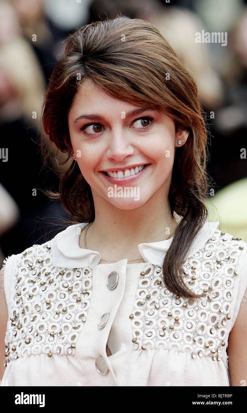 Emma Bett Emma De Caunes Stock Photos Emma De Caunes Stock Images Alamy