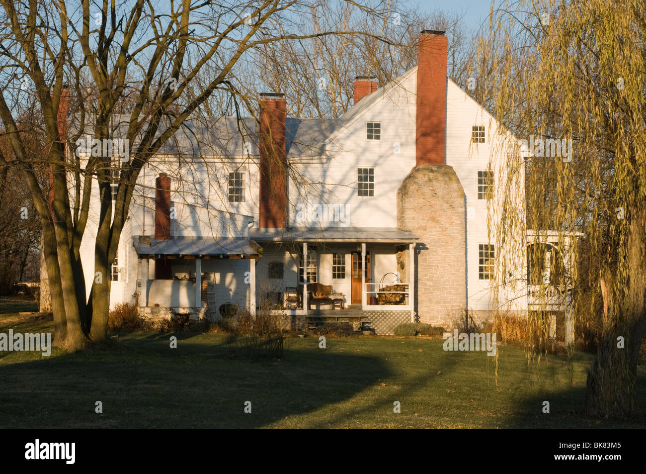 Virginia Farmhouse In The Autumn Light Featuring Three Chimneys And Stock Photo Alamy