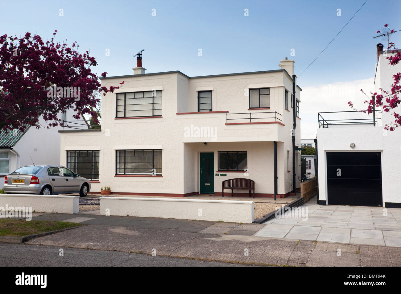 Art Deco Stile Art Deco Style House At Frinton On Sea Essex Uk Stock