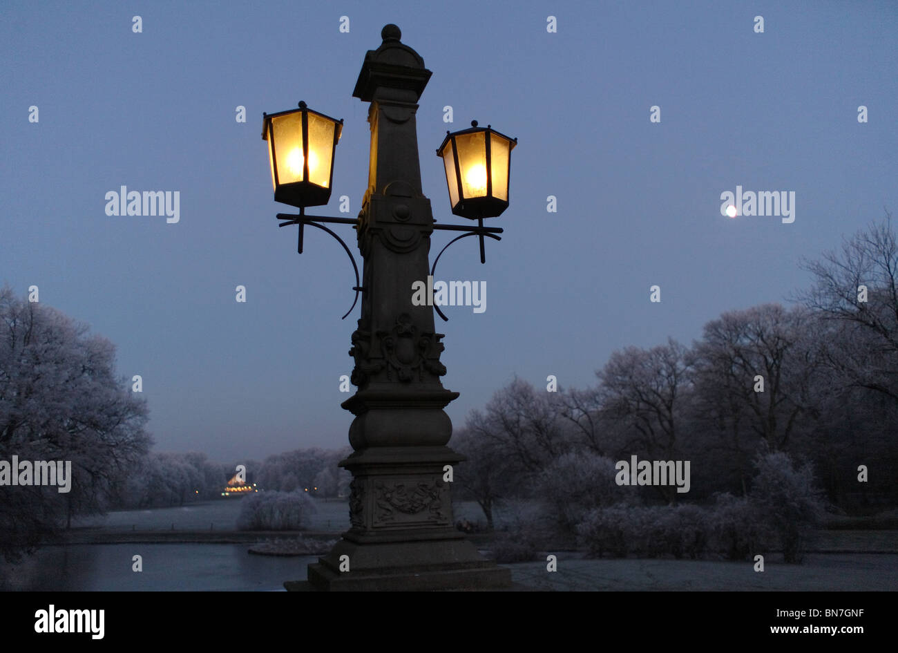 Lampen Bremen Street Lamp In Buergerpark Bremen Germany Stock Photo 30284955