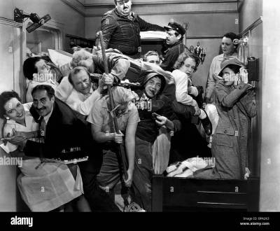 GROUCHO MARX CHICO MARX & HARPO MARX A NIGHT AT THE OPERA (1935 Stock Photo: 30954423 - Alamy