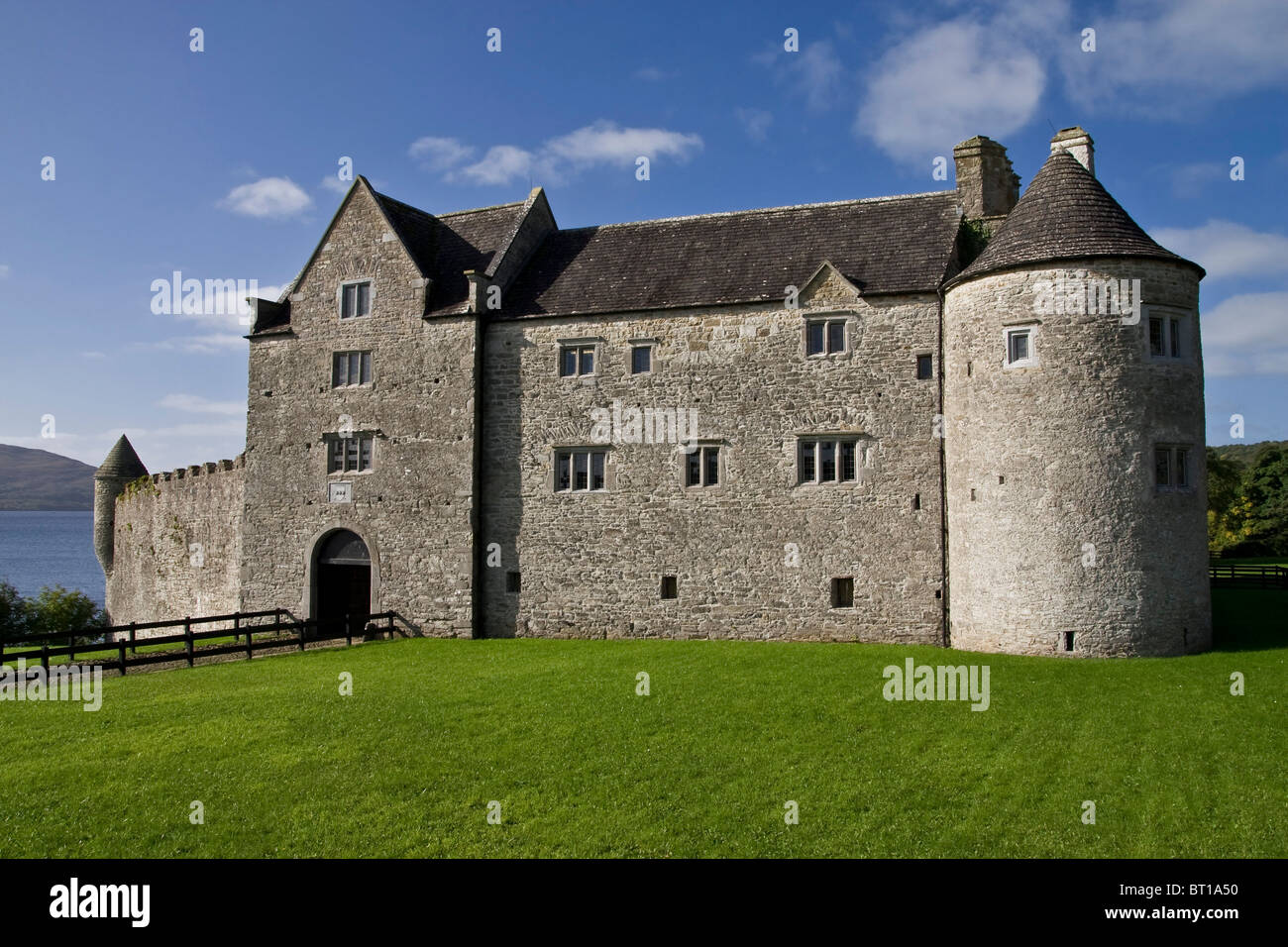 Container Haus Galileo Parkes Castle Ireland A 17th Century Fortified Manor