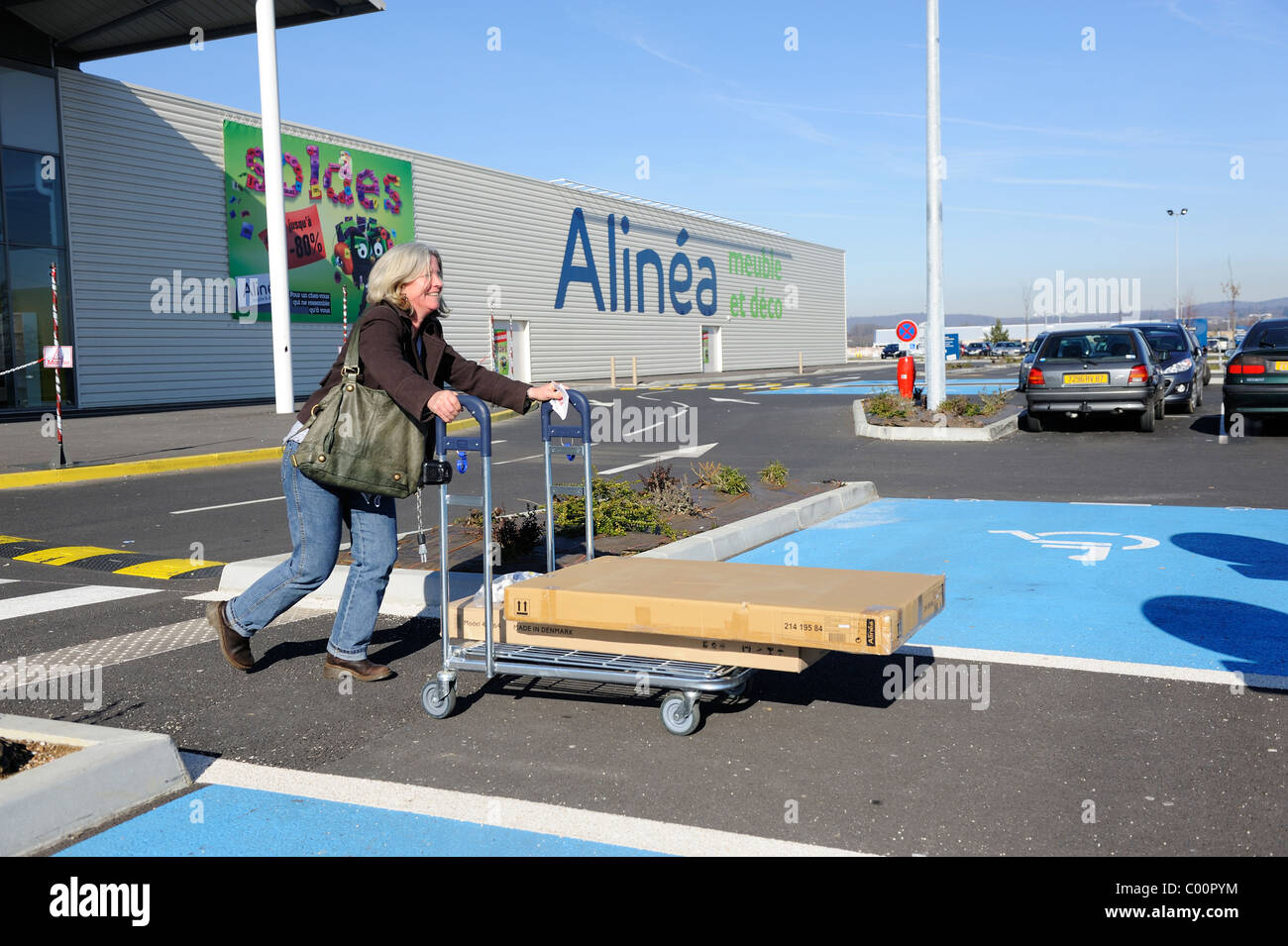 Suspensions Ikea Fr Ikea Trolley Stock Photos Ikea Trolley Stock Images Alamy