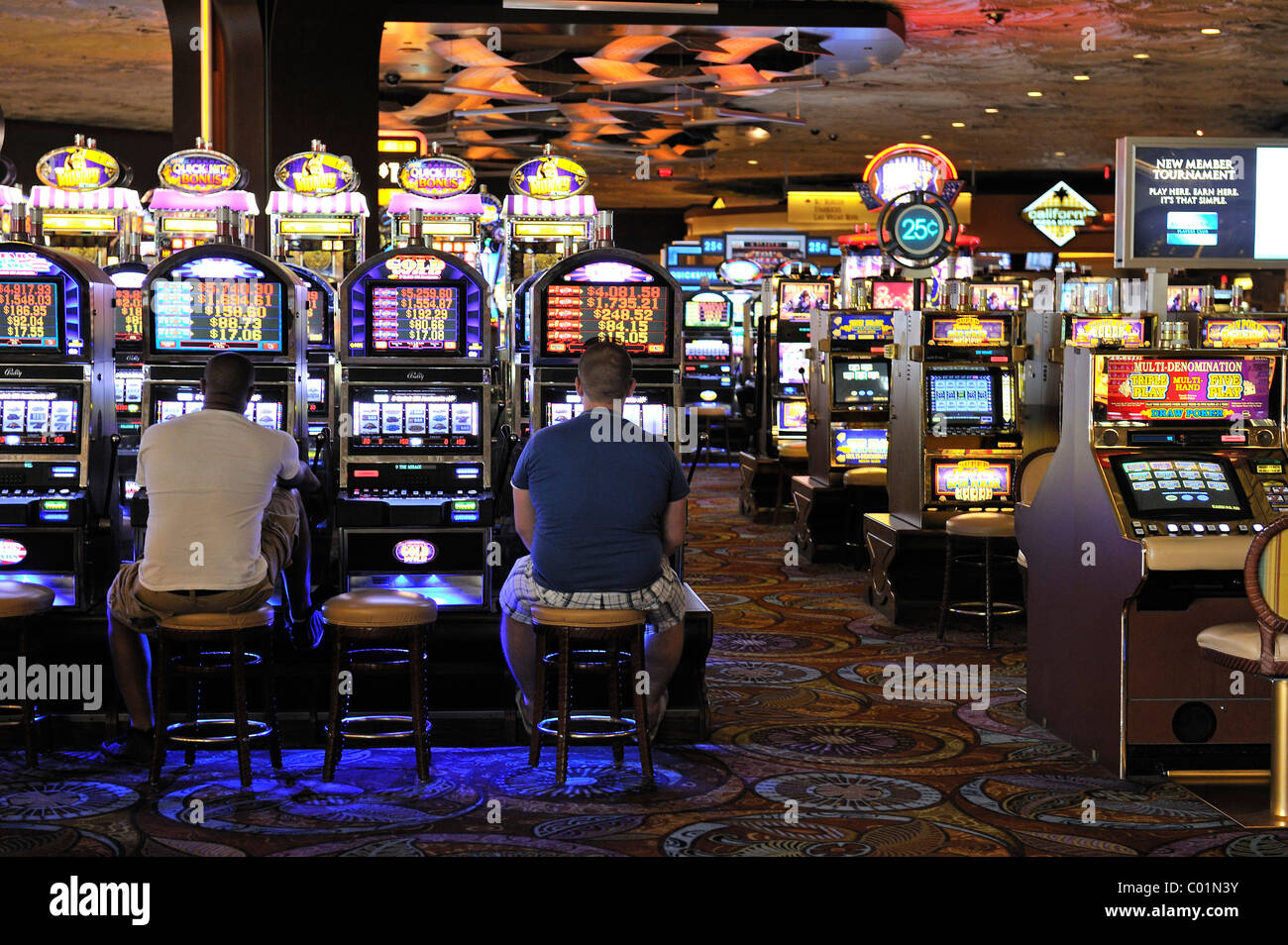 Spielautomaten Slot Machines In The 5-star Mirage Hotel, Las Vegas