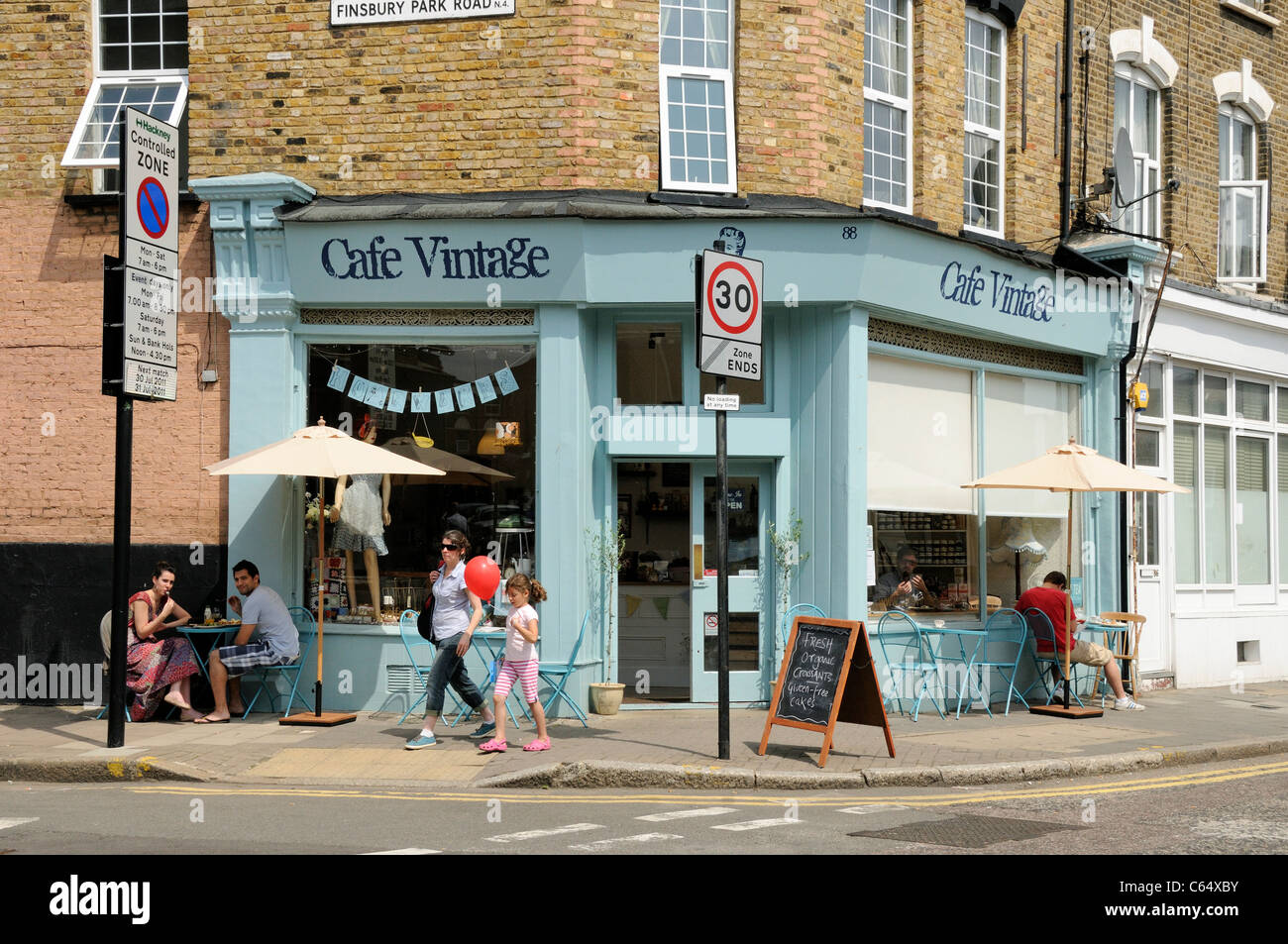 Vintage Café People Sitting Outside Cafe Vintage Hackney London Uk Stock Photo