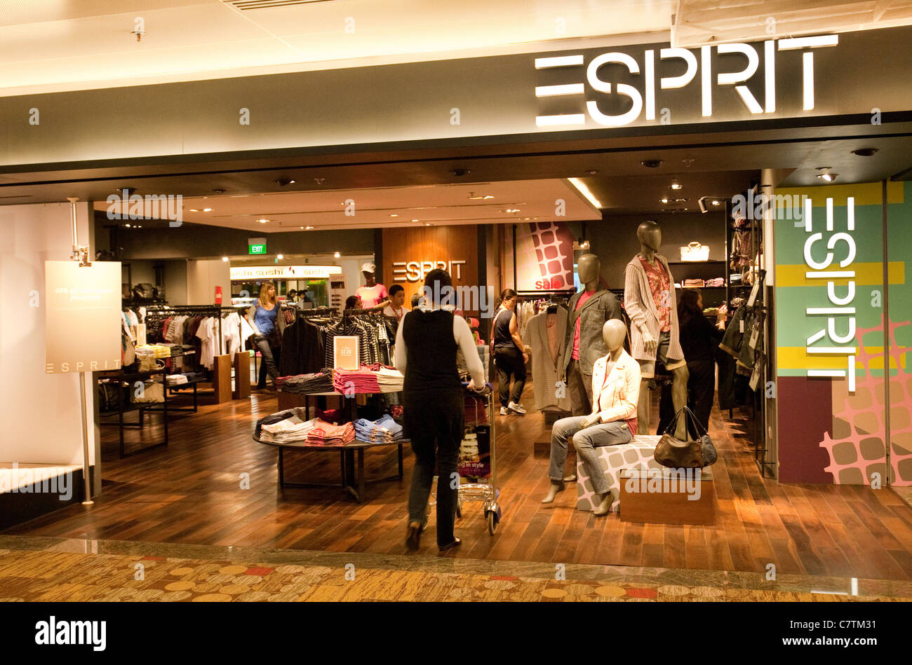 Esprit Shop People Shopping At The Esprit Fashion Store Changi Airport
