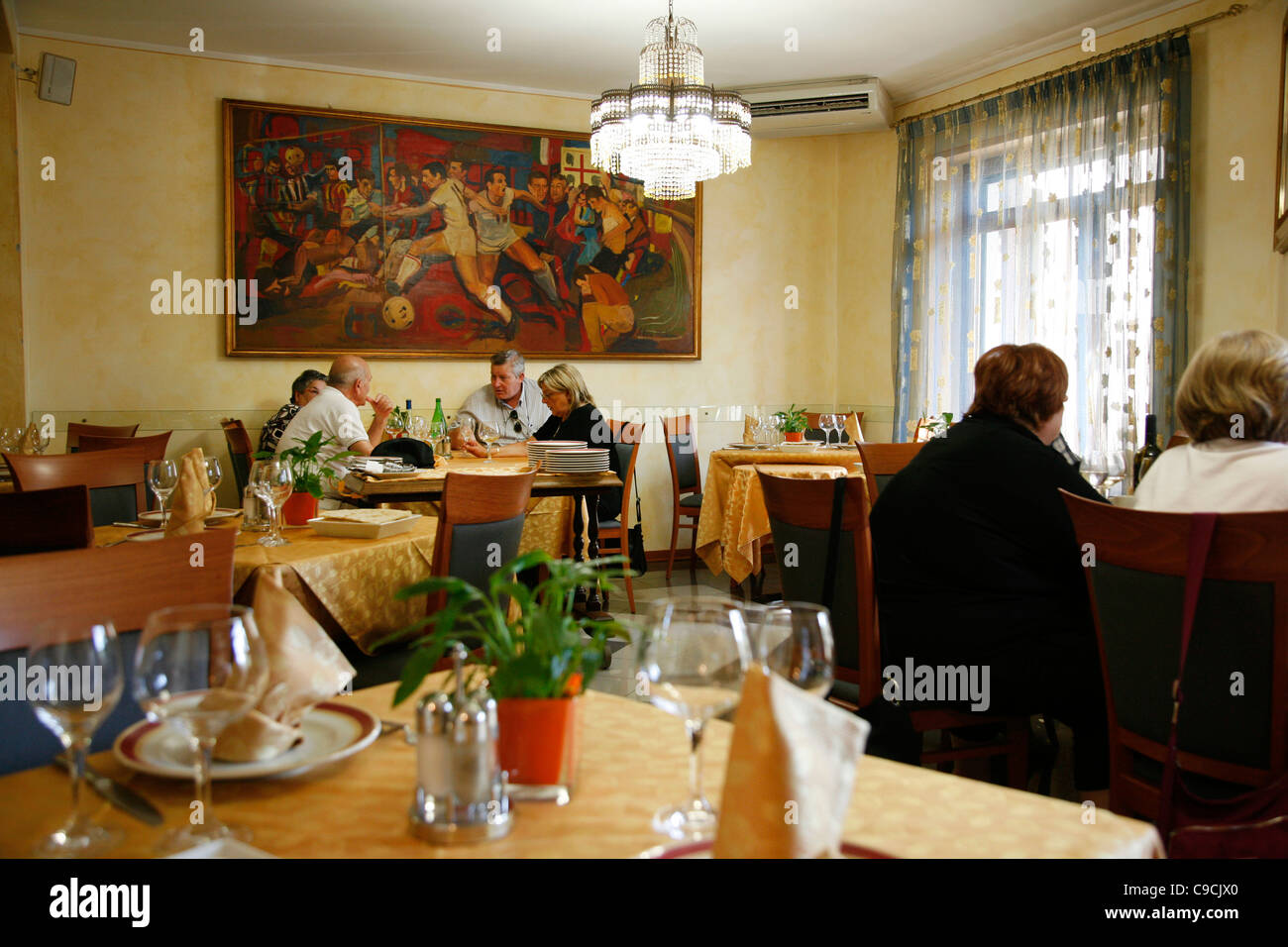 Caminetto D'oro Bologna Caminetto Stock Photos Caminetto Stock Images Alamy