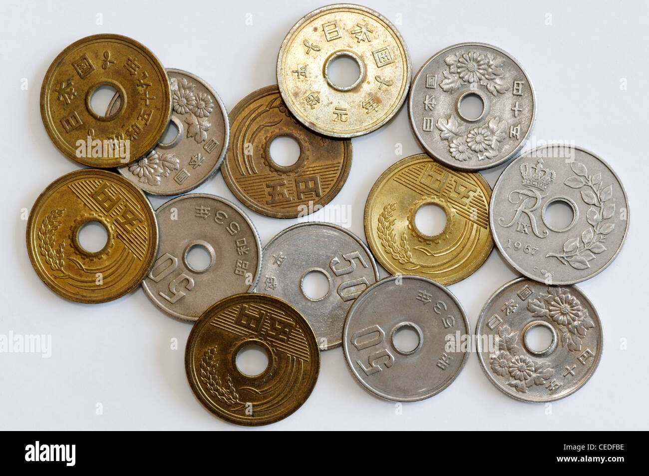 Kopfkissen Mit Loch In Der Mitte Coins With A Hole In The Middle Stock Photo 43323378 Alamy