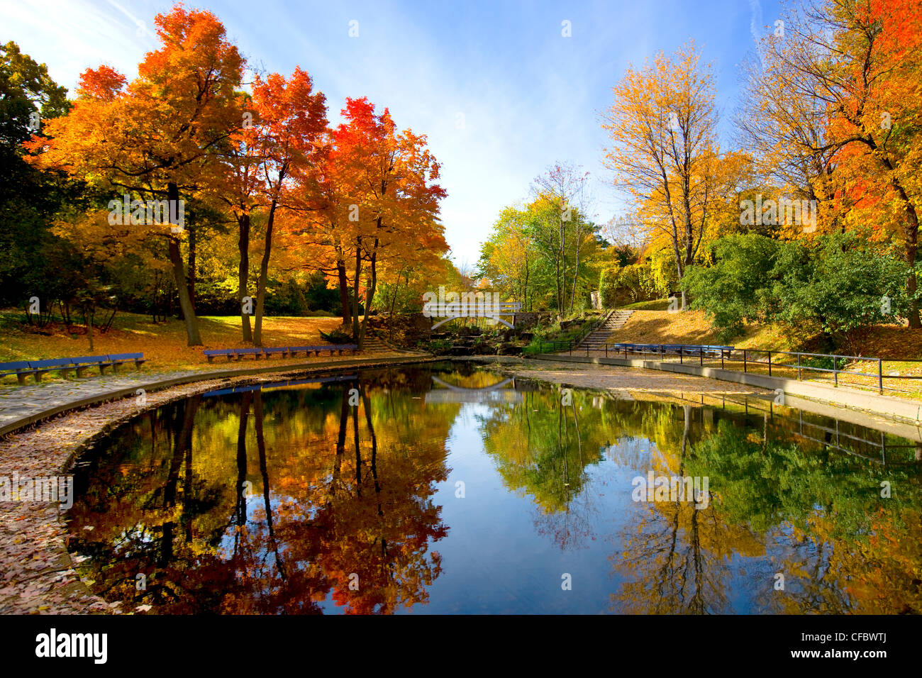 1920x1080 Fall Urban Wallpaper Pond In Autumn In Jean Drapeau Park Montreal Quebec
